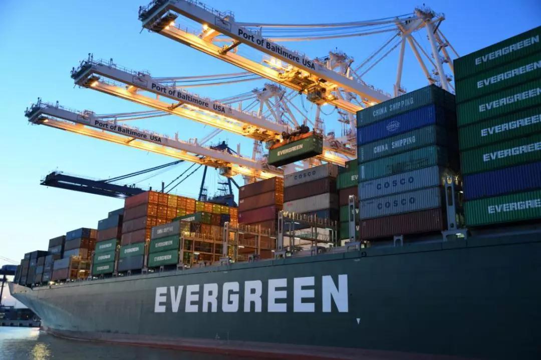 预警!美国港口拥堵;马士基和以星两艘集装箱船相撞