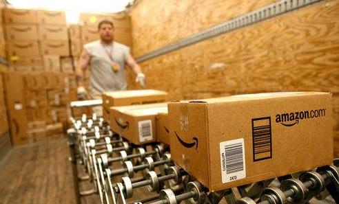 亚马逊大幅招募并呼吁服务行业工人