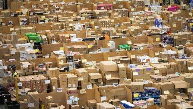 """告急!FTW1成""""垃圾仓"""",UPS航班大面积取消,FedEx考虑停飞,FBA货物延迟至9月……"""